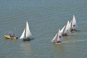 10ft skiffs at start line