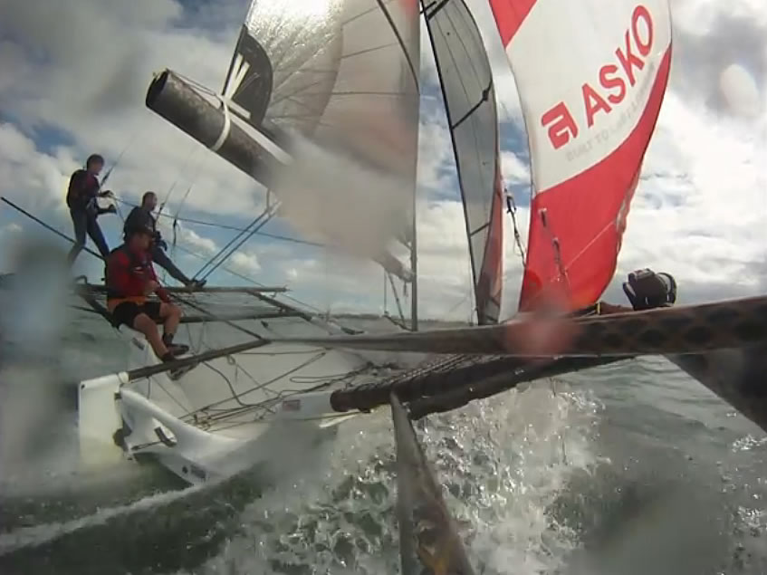 Onboard video from Sailtech - Brisbane 18 Footers
